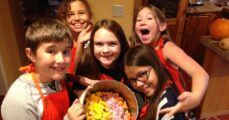 kids club fun in kitchen